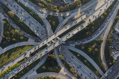 Snelweguitwisseling met vier niveaus in Los Angeles Van de binnenstad Stock Afbeelding