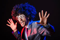 Sänger mit Afroschnitt Stockfoto