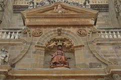 Snida av oskulden Mary On The Main Facade av domkyrkan i Astorga Arkitektur historia, Camino De Santiago, lopp, royaltyfria bilder