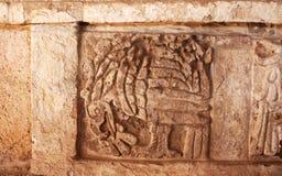 Snida för basrelief av örnen, Tula de Allende, Mexico Royaltyfri Fotografi