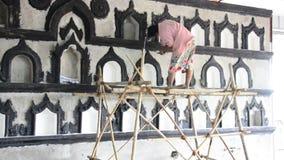 Snida och skulpturkyrkogård i Yangon Myanmar arkivfilmer