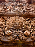 Sniden Banteay Srei tempelsten Arkivbild