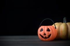 sniden halloween pumpa för den grymma säger miniatyrreaperen halloween för kalenderbegreppsdatumet lyckliga holdingen scythestand Royaltyfria Foton