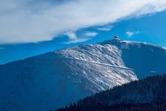 Sniezka góra w zimie obrazy stock