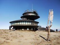 Sniezka szczyt, Meteorologiczny obserwatorium fotografia royalty free