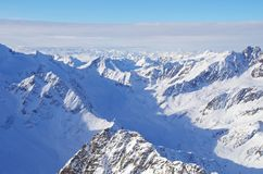 Snöig berglandskap Arkivbilder