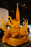 Snijd Beeldhouwwerk het Grote Kaars Maken Stock Foto's