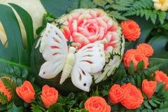 Snijd de watermeloen om vorm te bloeien royalty-vrije stock afbeeldingen