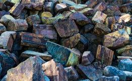 Snijden de ijzererts minerale rijken siersteen royalty-vrije stock foto