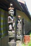 Snijdend beeldhouwwerk Dayak Bahau royalty-vrije stock afbeeldingen