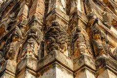 Snijdend in Wat Si Sawai, het Historische Park van Sukhothai, Thailand royalty-vrije stock afbeelding