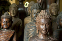 Snijdende standbeelden van Boedha Royalty-vrije Stock Afbeelding