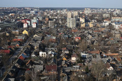 Snipiskes för gammal grannskap flyg- panorama, Vilnius, Litauen royaltyfri foto