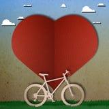 Snitt för papper för cykelförälskelsehjärta Royaltyfri Foto