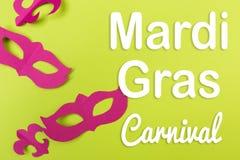 Snittet ut färgade pappers- diagram för ferien Mardi Gras arkivfoton