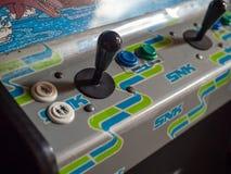 SNK-de bedieningshendel en de controles van het arcadekabinet royalty-vrije stock afbeeldingen