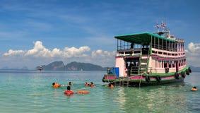 Snockeling turnerar, Thailand Royaltyfri Fotografi