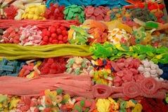 Snoepjes bij markt Stock Foto's