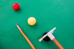 Snooker balls with cue Royalty Free Stock Images