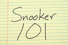 Snooker 101 op een Geel Wettelijk Stootkussen royalty-vrije stock fotografie