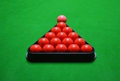Snooker piłki ustawiać na zielonym stole Zdjęcie Royalty Free