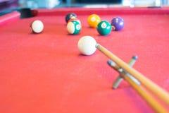 Snooker piłki na snookeru stole Obrazy Royalty Free