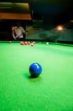 Snookerball auf dem Tisch Stockbild