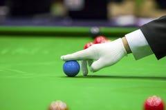 Snookerscheidsrechter stock foto