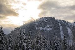 Snoqualmie-Schnee bedeckte Berg stockfotografie