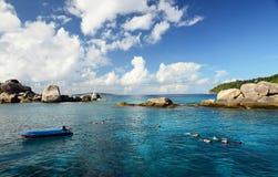 Snorkelend op Similan-eilanden in Andaman-overzees, Thailand Stock Foto's