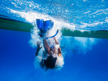 snorkeler飞溅水 库存照片