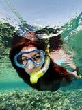 Snorkeling женщина стоковая фотография rf