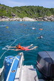Snorkla på de Similan öarna i Thailand Arkivbild