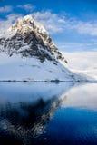 Snow-capped горы в Антарктике Стоковая Фотография RF