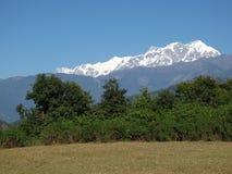 Snow Capped Annapurna spänner royaltyfri foto