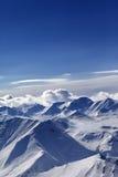 Snow-capped berg fotografering för bildbyråer