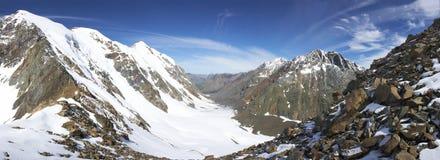 Snow-Capped Bergen Stock Afbeelding
