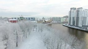Snow-capped Visserijdorp van Kaliningrad stock videobeelden