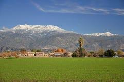 Snow-capped zet San Jacinto op stock afbeelding