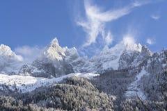 Snow-covered alpiene hellingen in Chamonix Royalty-vrije Stock Fotografie