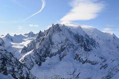 Snow-covered Alpiene Hellingen La vallée blanche Stock Afbeelding