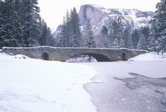 Free Snow Covered Bridge Royalty Free Stock Photography - 26261317