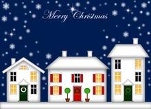 Snow-Covered Haus-Weihnachtsdekoration-Nacht Lizenzfreies Stockbild