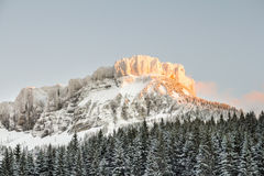 Snow covered mountain sunset Royalty Free Stock Images