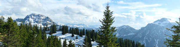 Snow covered mountains and rocky peaks in the Bavarian Apls Stock Photography