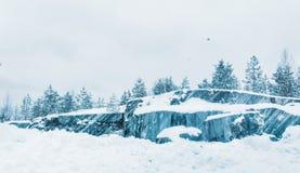 Snow-covered uitgestrektheden van Karelië stock fotografie