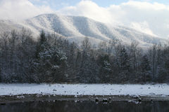 Snow lake mountain3. Lake and mountians in winter with snow. Tennessee smokies. Indian boundary park Stock Images
