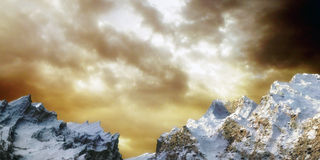 Snow Mountain. With cloudy sky and clouds on hoziron Royalty Free Stock Photography