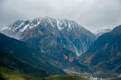 Snow Mountains with Autumn Scenery in Szechwan Royalty Free Stock Photos