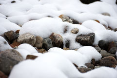Snow på vaggar Royaltyfria Bilder